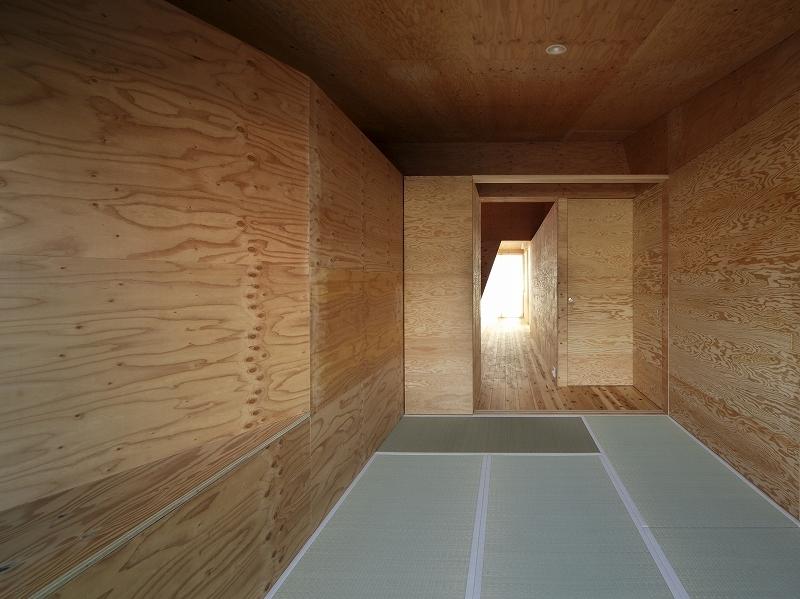 K氏のアトリエの写真 寝室