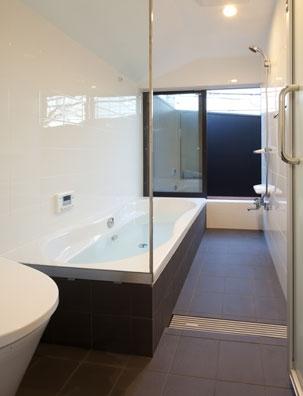 さんかくテラスの家の写真 さんかくテラスの家_浴室