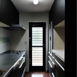代田の家改修ー築60年の住宅を二世帯へスケルトンリフォーム (キッチン)