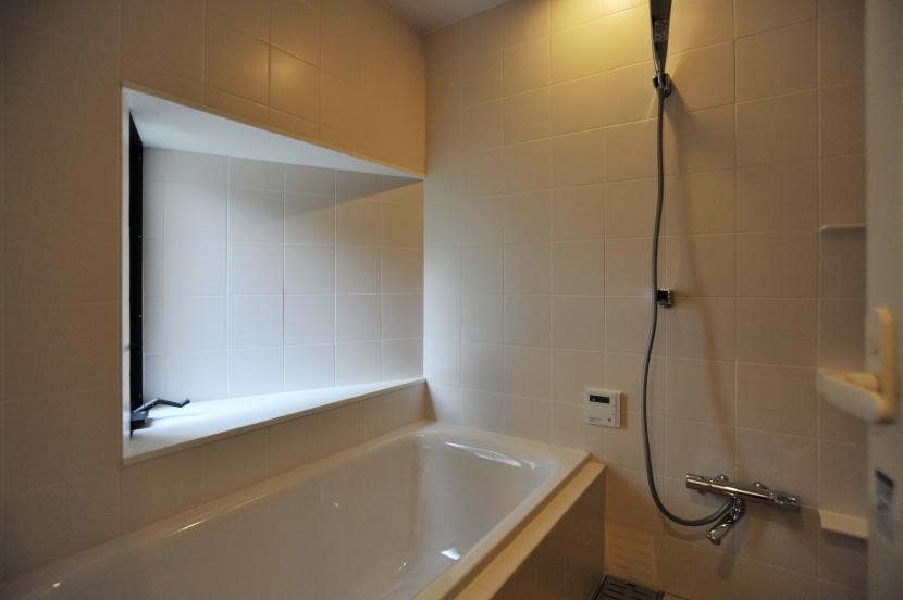 代田の家改修ー築60年の住宅を二世帯へスケルトンリフォームの写真 浴室