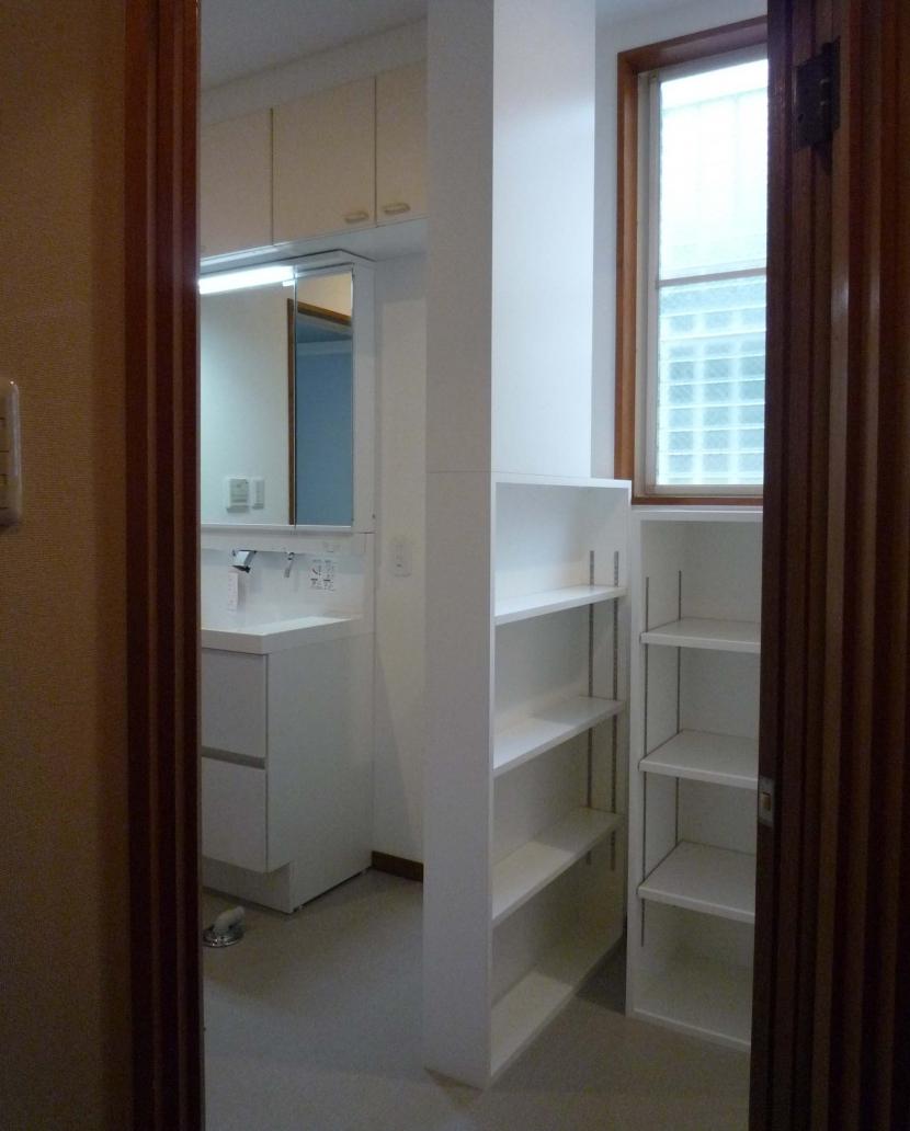 三鷹の家改修の写真 パウダールームと収納