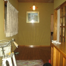 築28年の家を購入しリノベーション|籠原の家 (玄関|before)
