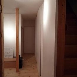 築28年の家を購入しリノベーション|籠原の家 (廊下|after)