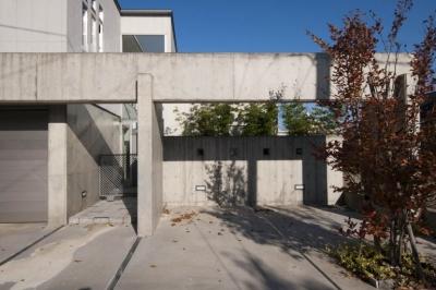 前庭 (久安の家|プライベートな外部空間を持つ家)
