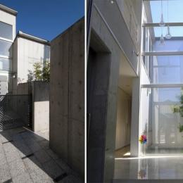 久安の家|プライベートな外部空間を持つ家 (アプローチ・玄関)