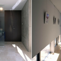 久安の家|プライベートな外部空間を持つ家 (玄関ホール)