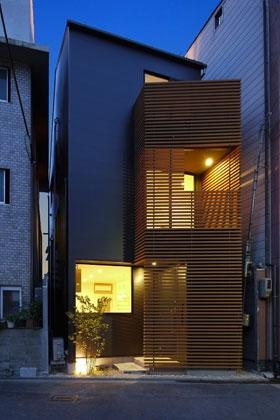 建築家:藤井 将「立体的につながる京町家」