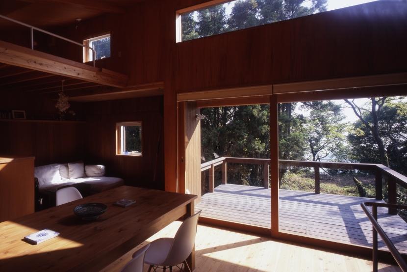 建築家:長浜信幸「海を望む通り土間の別荘」