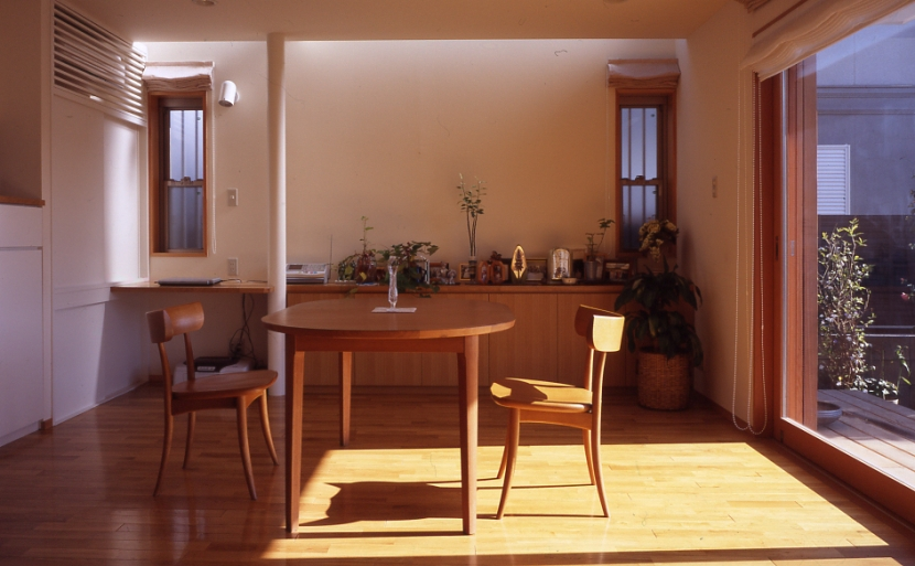 1、2階で住み分ける完全分離型の2世帯住宅の部屋 親世帯ダイニング