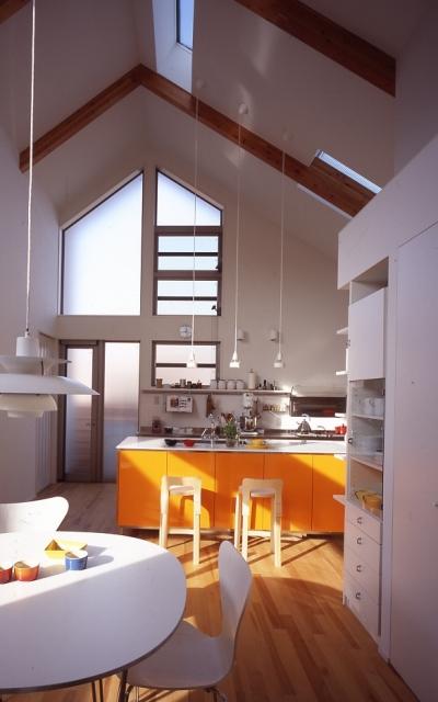1、2階で住み分ける完全分離型の2世帯住宅 (子世帯キッチン)