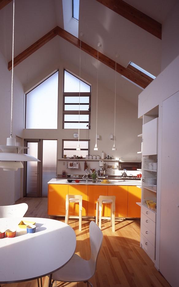 1、2階で住み分ける完全分離型の2世帯住宅の部屋 子世帯キッチン