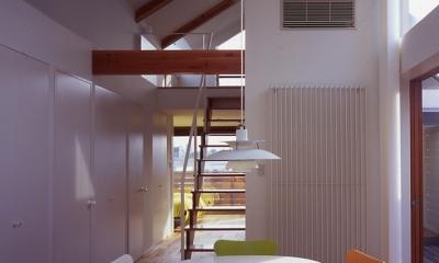 1、2階で住み分ける完全分離型の2世帯住宅 (子世帯ダイニング)