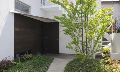 ふたつの家族と中庭の家 〜つかず離れず適度な距離感の二世帯住宅。だけじゃない!〜