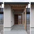 格子網戸を組み込んだ玄関