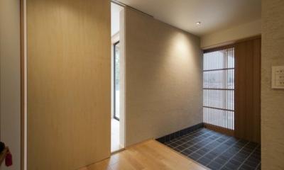 南砺市の家|砺波平野に建つ夫婦二人のための平屋住宅 (玄関ホール)
