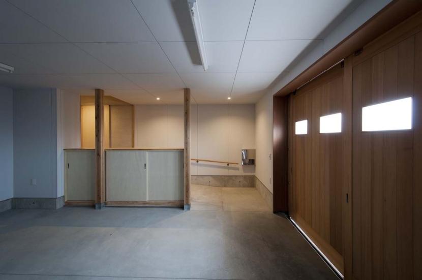 建築家:家山 真「南砺市の家|砺波平野に建つ夫婦二人のための平屋住宅」