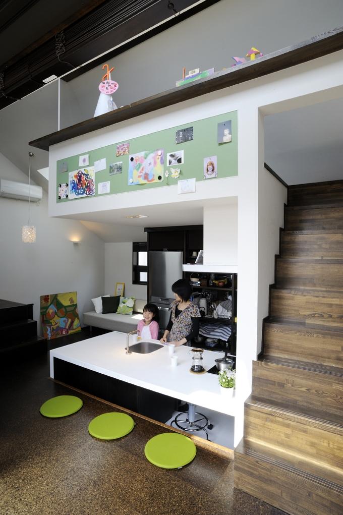 建築家:岡本 浩「ふたつの家族と中庭の家」
