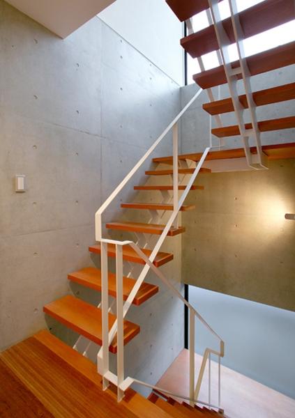 HOUSE SWの写真 階段