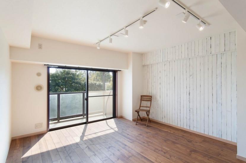 無垢材特有のコントラストを活かした『Wooden Style リノベーション』の部屋 リビング
