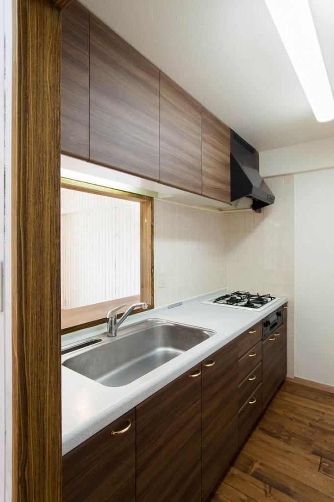 無垢材特有のコントラストを活かした『Wooden Style リノベーション』の部屋 キッチン