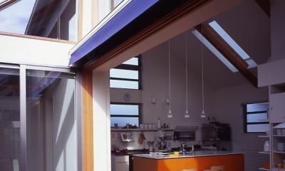 1、2階で住み分ける完全分離型の2世帯住宅 (テラス)