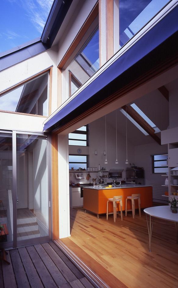 1、2階で住み分ける完全分離型の2世帯住宅の部屋 テラス