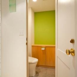 趣味を存分に楽しめる空間作り「Beach Style リノベーション」 (トイレ)