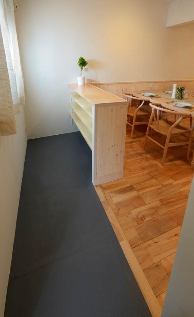 """無垢材""""メープル""""から北欧を感じる『Nordic Style リノベーション』の部屋 玄関"""