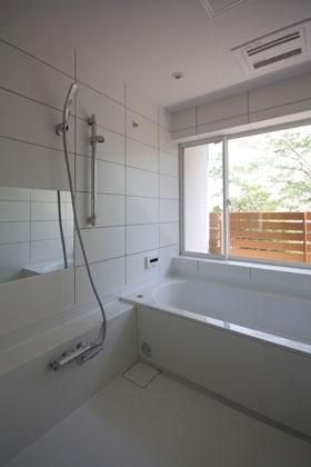 光と眺望を楽しむ家の写真 光と眺望を楽しむ家_浴室