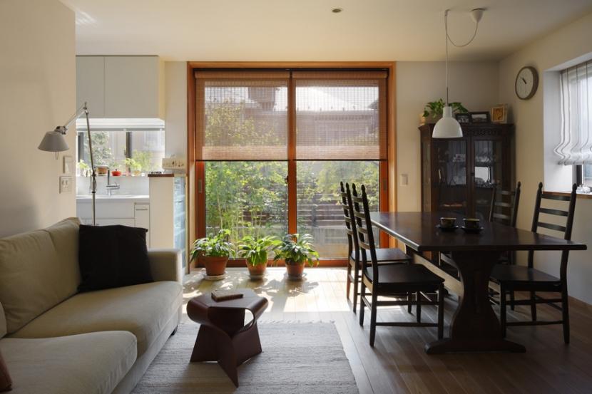 建築家:長浜信幸「落ち着きと明るさの2世帯住宅」