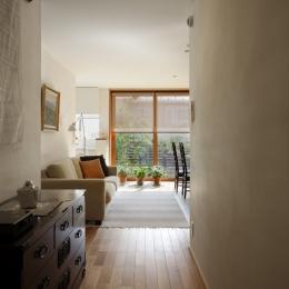 落ち着きと明るさの2世帯住宅-親世帯リビング