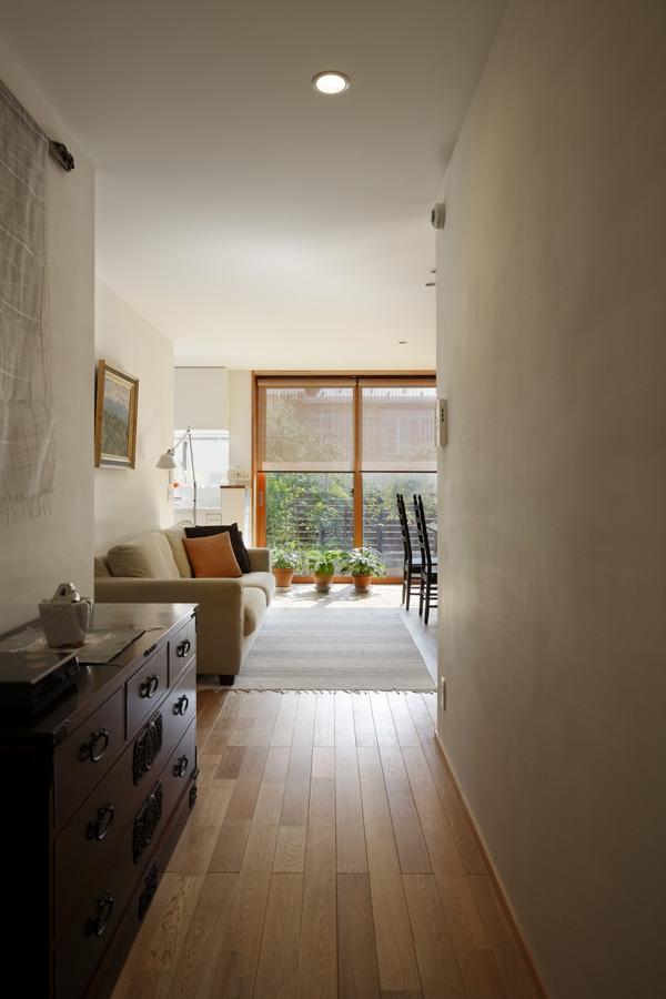 落ち着きと明るさの2世帯住宅の部屋 親世帯リビング