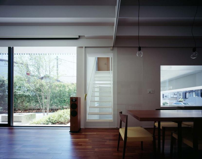 スキマのある家の写真 いろいろな場所につながるリビング