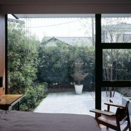 緑豊かな開放的なベッドルーム