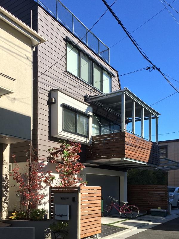 エアコンのない家 (道路側の外観2)