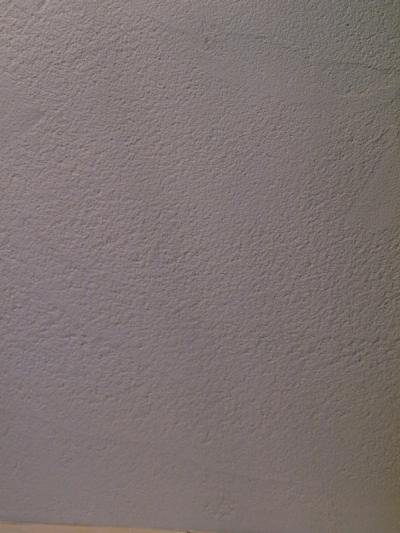 漆喰の壁 (エアコンのない家)