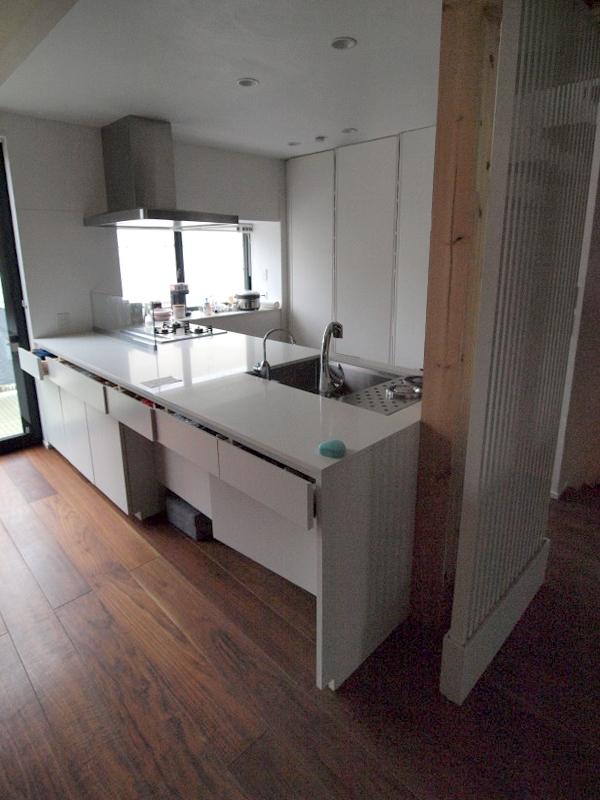 エアコンのない家の写真 キッチン1
