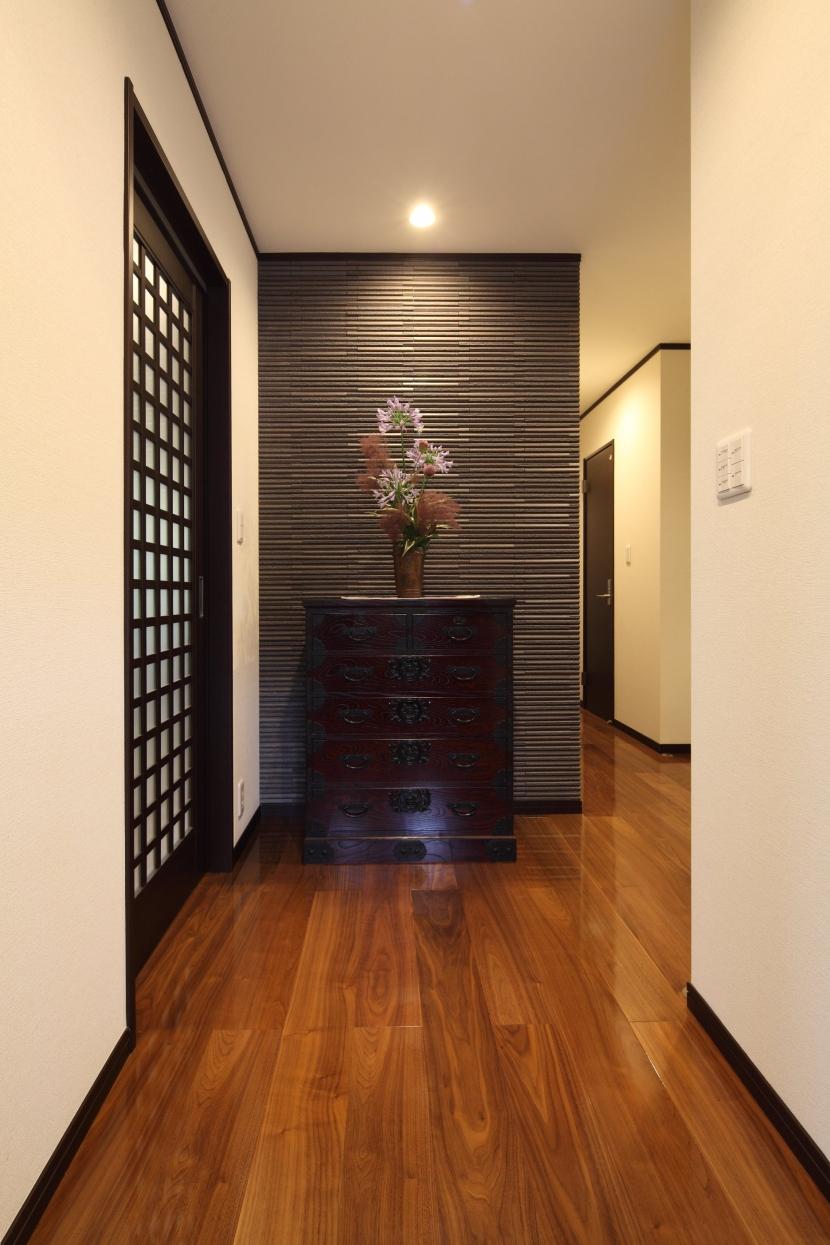 横浜市S邸:戸建て1階全面リフォームの写真 玄関ホール