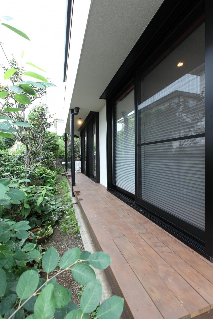 横浜市S邸:戸建て1階全面リフォームの写真 ウッドデッキ