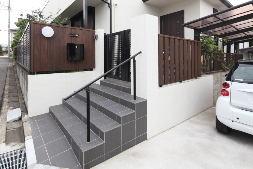 横浜市S邸:戸建て1階全面リフォームの写真 外構門塀