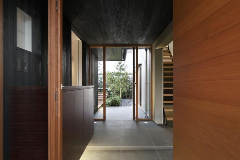 霧島町の家/宮崎市の住宅の部屋 玄関アプローチ