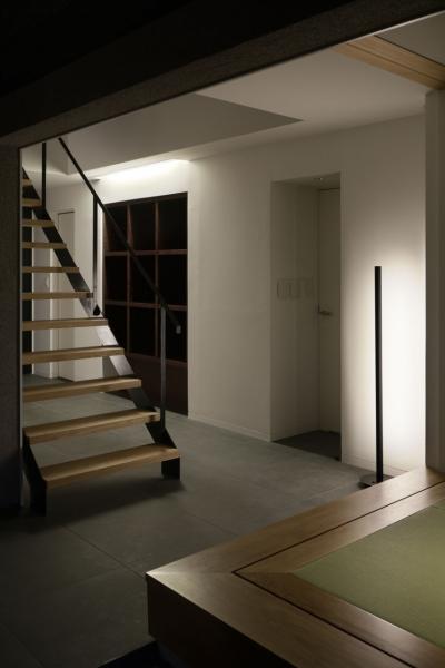 ホール(ライブラリースペース) (霧島町の家/宮崎市の住宅)