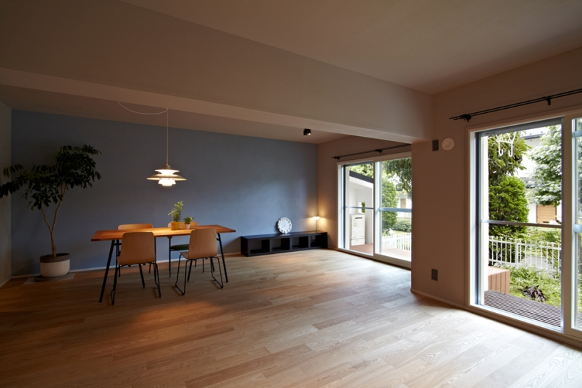 多摩センターの家/東京のリノベーションの部屋 リビングダイニング02