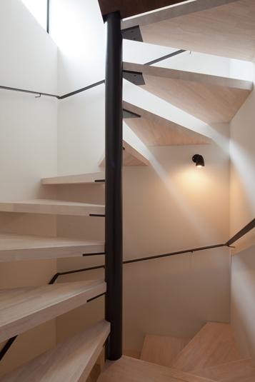 奥沢の住宅 (階段)
