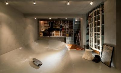 渋谷の住宅 (スケートボードバンク)