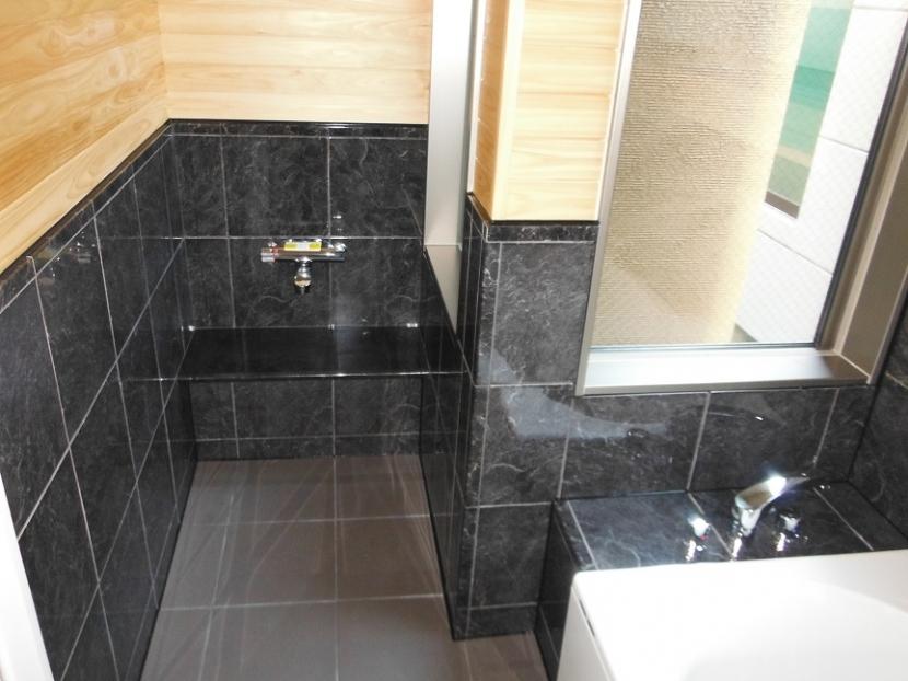 建築家:由比清隆/アトリエ・K建築設計工房/山口「坪庭を持つひのき造りの風呂の家」
