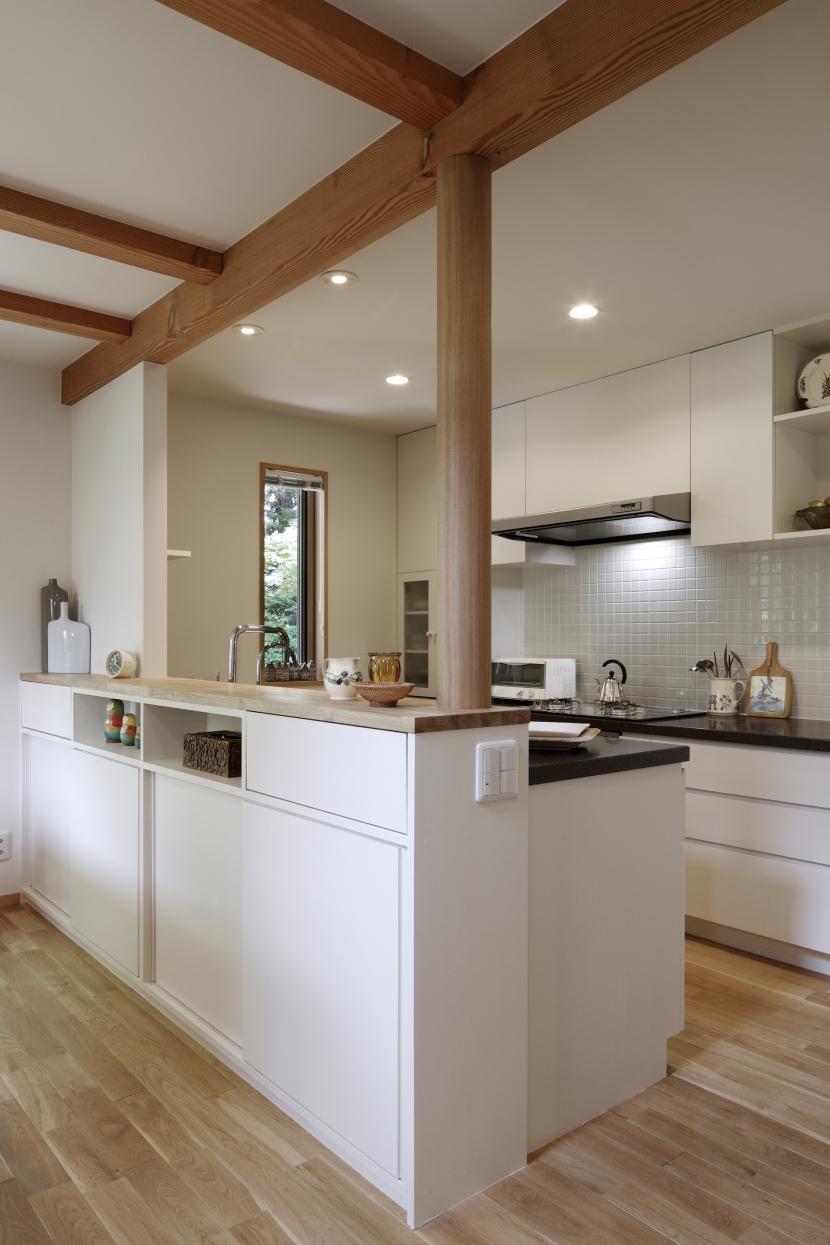 緑陰を愉しむ家の部屋 キッチン