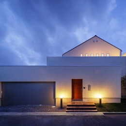 中百舌鳥の家 (外観夜景)