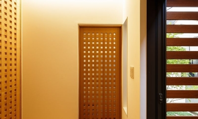 玄関ホール|中百舌鳥の家