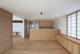 連屋根の家 (ダイニングキッチン)